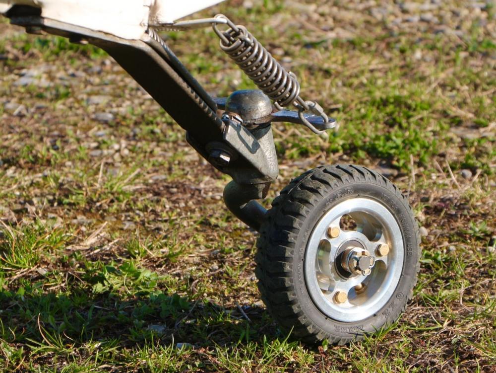 tailwheel 2.jpg