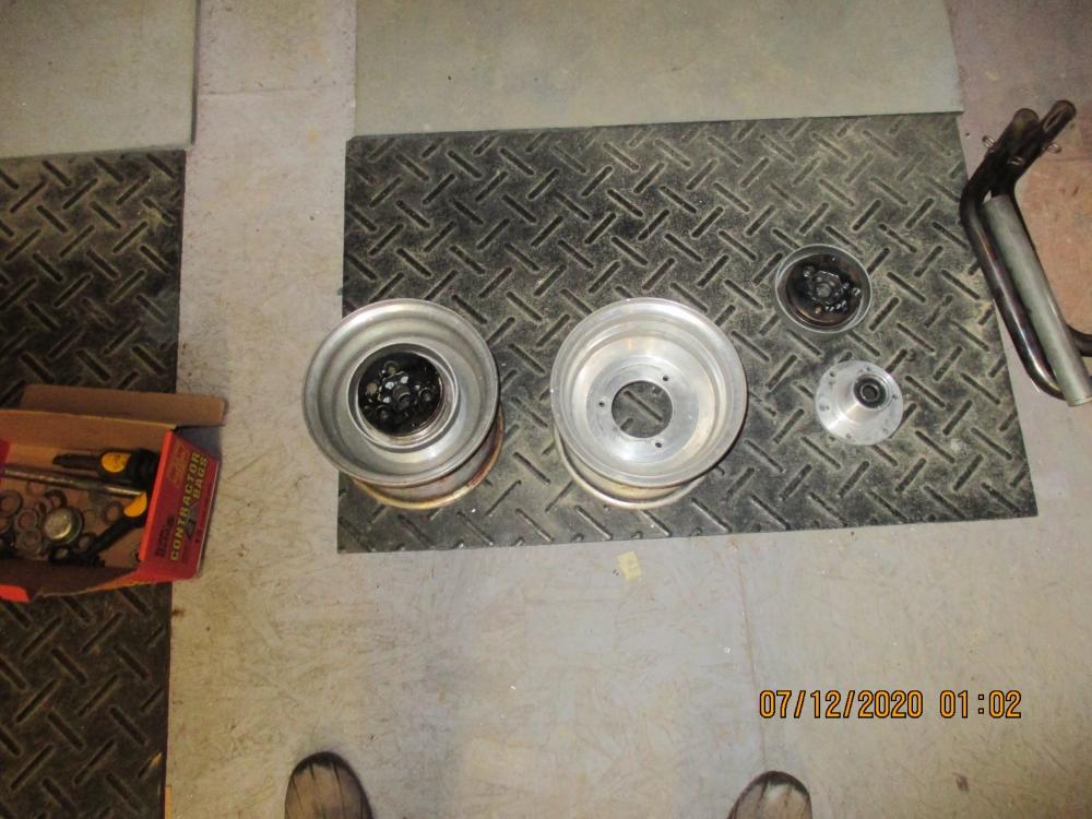 Brakes and wheels 001.JPG